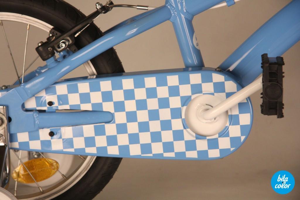 Bicicleta_de_copii_ personalizat_cyan_patratele_bitacolor_4