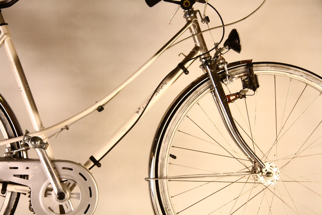 Bicicicleta_de_dama_germania_vopsita_albastru_personalizare_bitacolor1