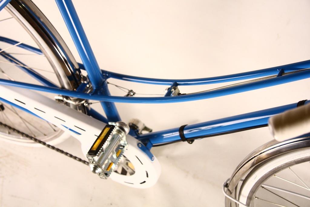Bicicicleta_de_dama_germania_vopsita_albastru_personalizare_bitacolor12