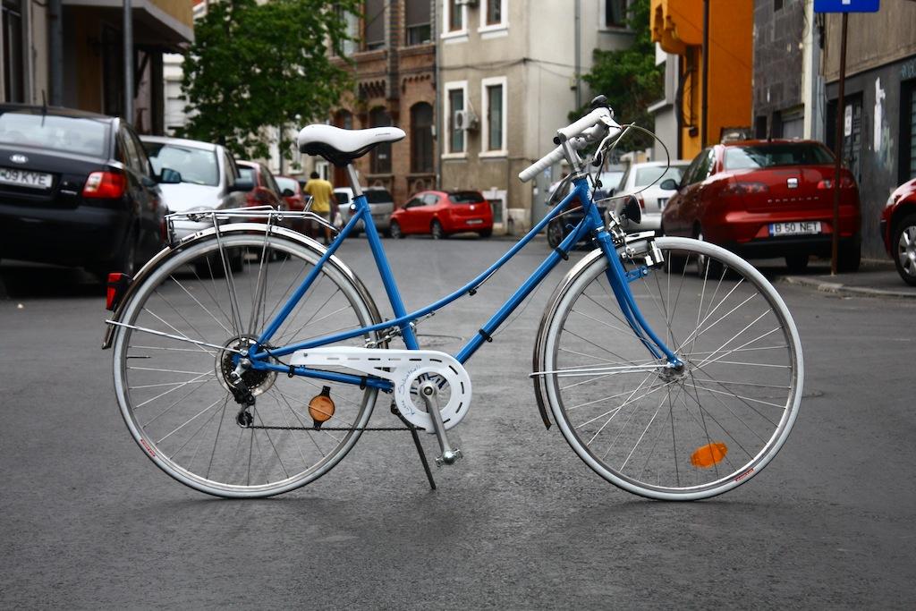 Bicicicleta_de_dama_germania_vopsita_albastru_personalizare_bitacolor13