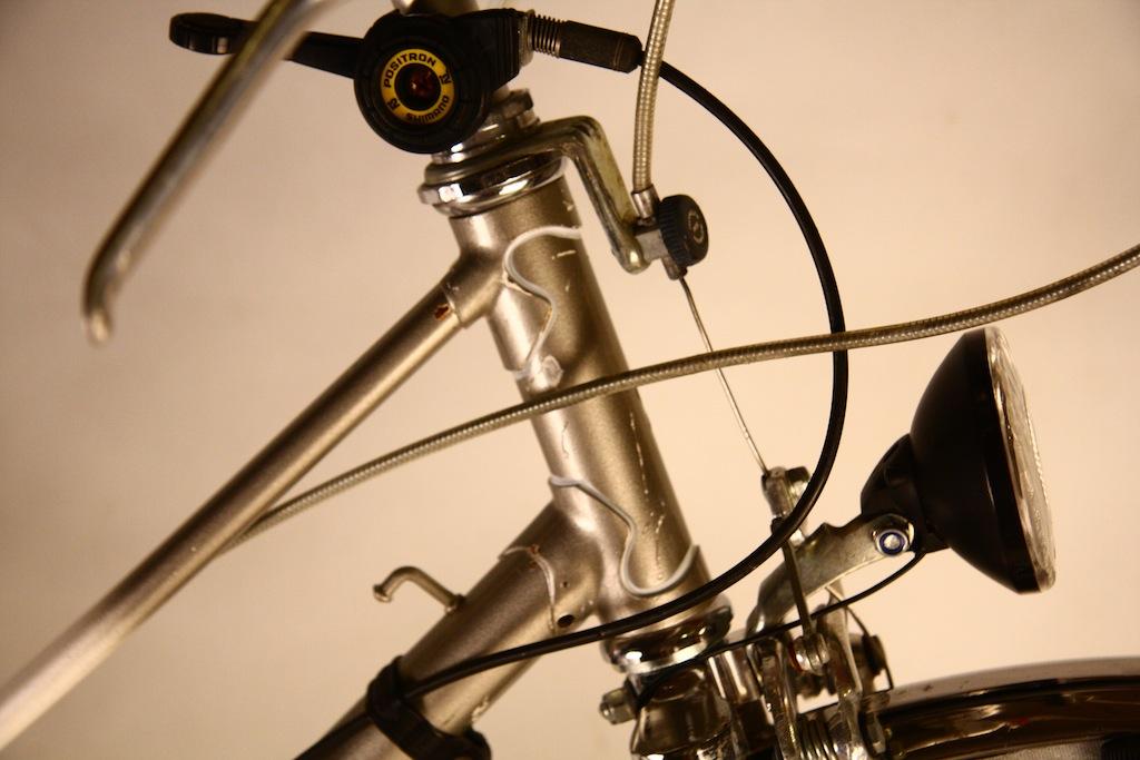 Bicicicleta_de_dama_germania_vopsita_albastru_personalizare_bitacolor3