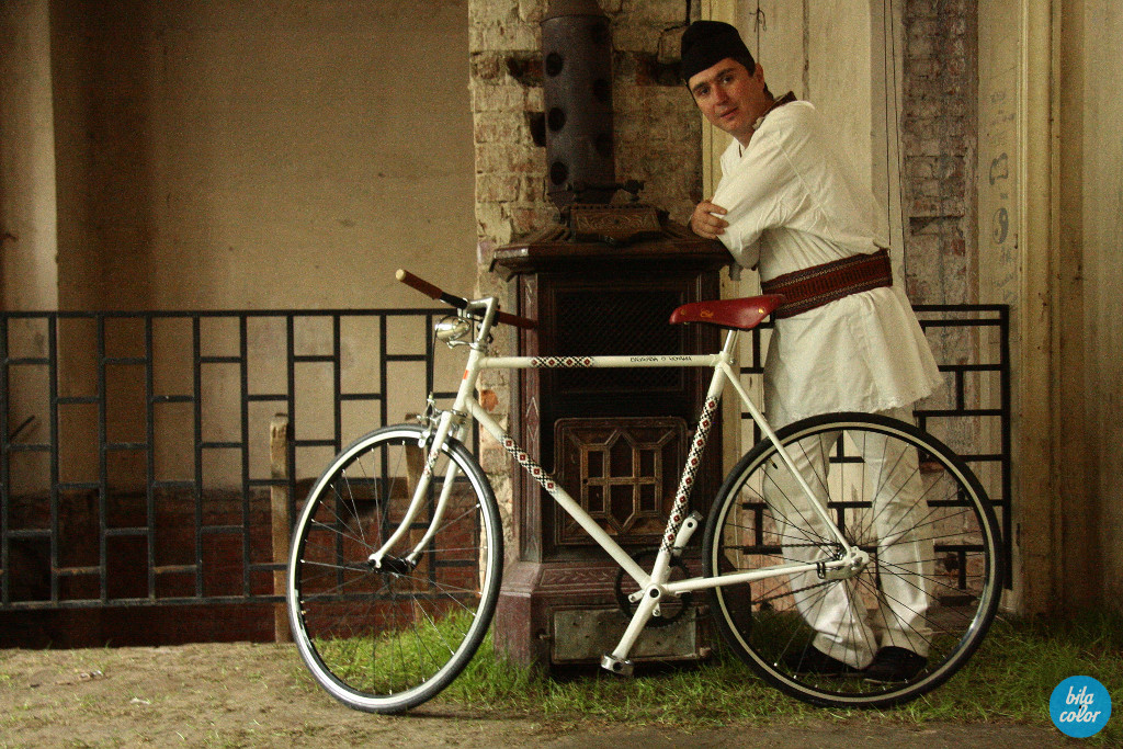 Bicicleta_motive_traditionale_bitacolor_13