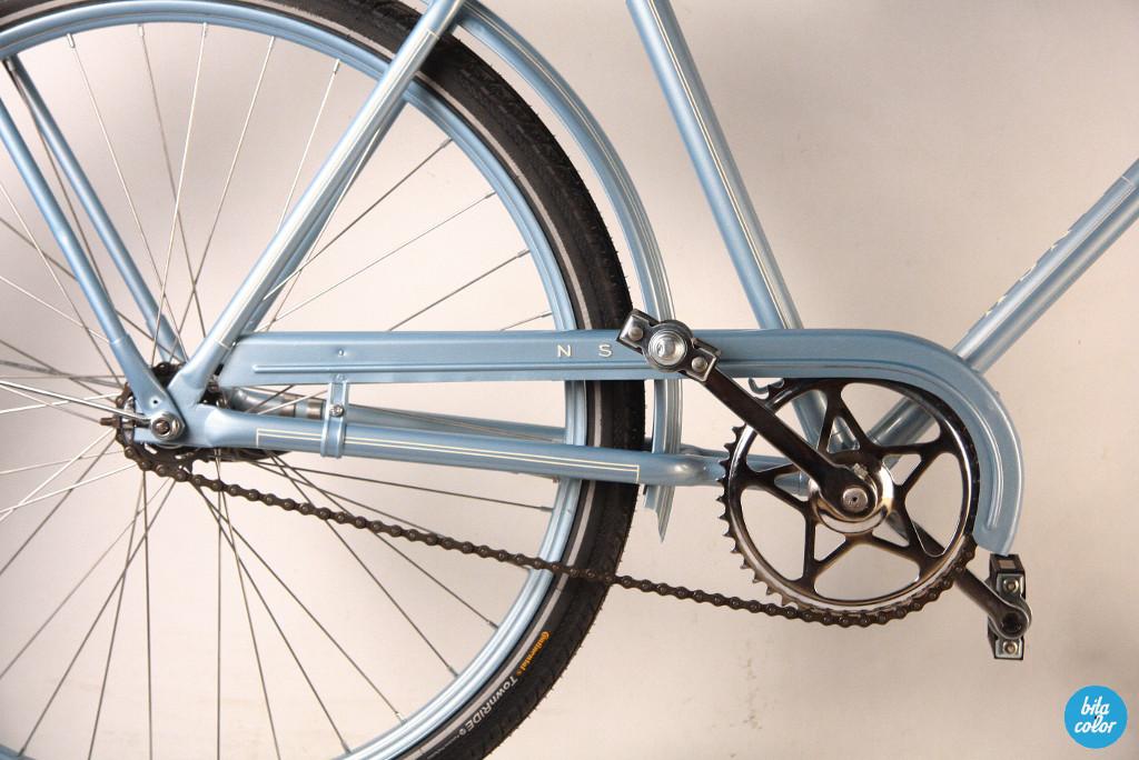 Vintage_NSU_city_bike_reconditiond_BItacolor2
