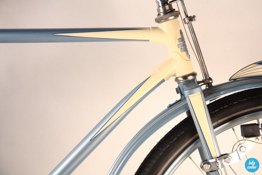 Vintage_NSU_city_bike_reconditiond_BItacolor4